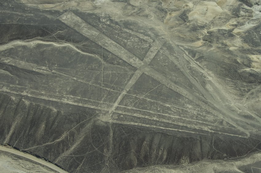 Trapezoid forms, Nazca lines